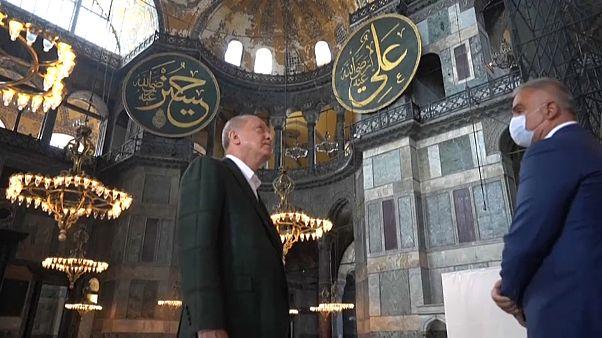 الرئيس التركي يتفقد مسجد آيا صوفيا