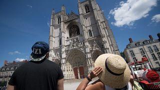 """Les cathédrales françaises menacées par """"manque d'entretien""""?"""
