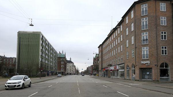 Врачи в Дании лечат пациентов с COVID-19, как если бы это был хронический недуг