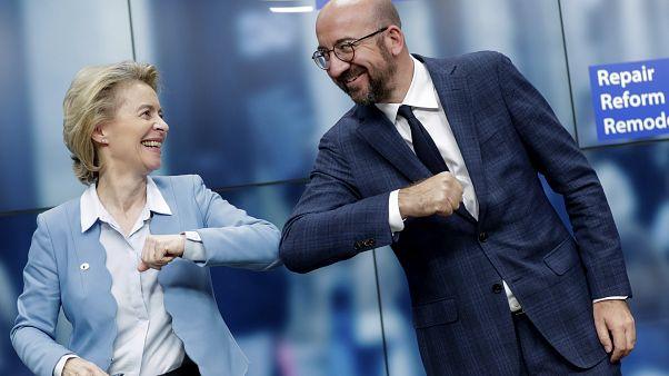 """""""Завтра будет новый день!"""" - радуются глава Еврокомиссии и глава Евросовета"""