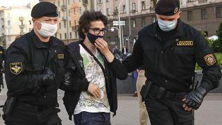 Detenido por protestar contra la denegación de concurrir a las elecciones presidenciales a opositores