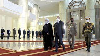 الرئيس الإيراني حسن روحاني يستقبل رئيس وزراء العراق مصطفى الكاظمي