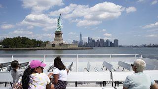 Finalmente i turisti alla Statua della Libertà!