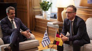 Bundesaußenminister Heiko Maas und der griechische Ministerpräsident Kyriakos Mitsotakis bei Gesprächen in Athen