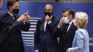 El primer ministro holandés, Rutte, partidario de los recortes con otros líderes europeos