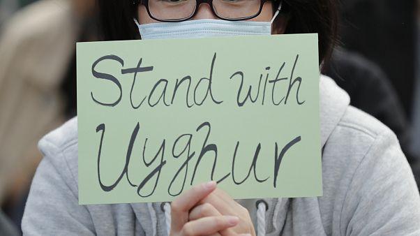 احتجاجات تطالب بالوقوف إلى جانب الإيغور