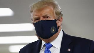 Donald Trump mit Mund-Nasenschutz (Archiv)