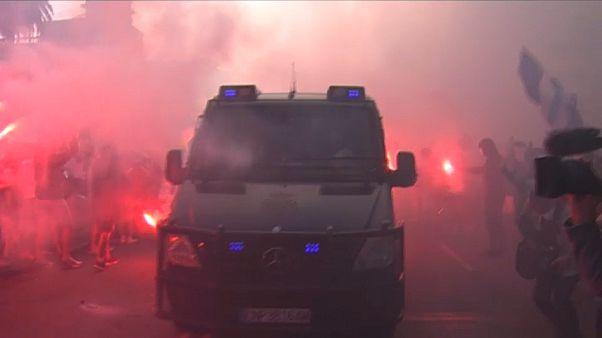 Seguidores del Dépor mostraron su enfado tras la suspensión del encuentro