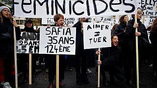 Tüntetés a családon belüli erőszak és a nőgyilkosságok ellen