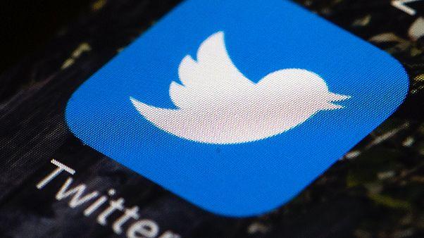 Twitter geçtiğimiz haftalarda aşırı sağcı QAnon grubu ile bağlantılı 7 bin kadar hesabı kapadı