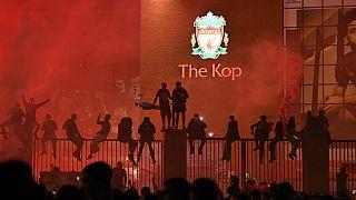 Nur alle 30 Jahre: Liverpool-Fans feiern Premier-League-Triumph