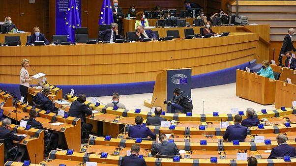 Corona-Paket: EU-Parlament will keine Haushaltskürzungen