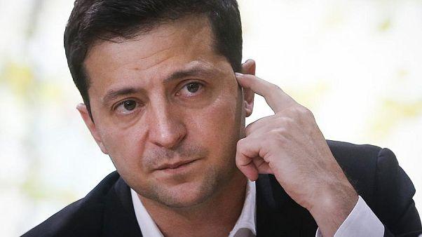 Selenskj sprach mit dem Geiselnehmer in Luzk per Telefon - der Mann hatte einen Passagierbus unter seine Kontrolle gebracht.