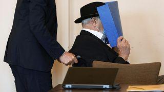 جلسه دادگاه مرد ۹۳ ساله آلمانی به اتهام همکاری با آلمان نازی