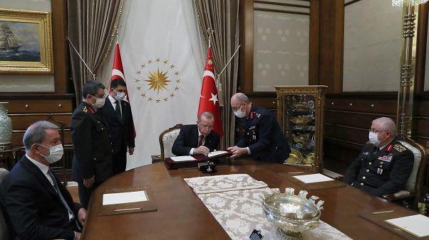 Erdoğan YAŞ kararlarını imzaladı