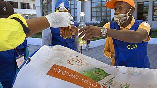 Gyógynövényes csodaszerrel gyógyítaná a COVID-19-et a madagaszkári elnök
