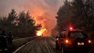 Feuer in der Nähe von Korinth