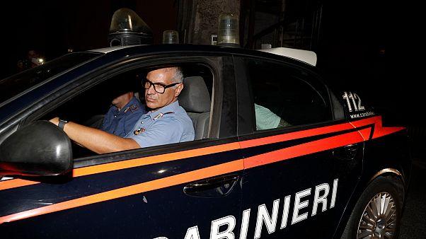سيارة تابعة للجندرمة الايطالية