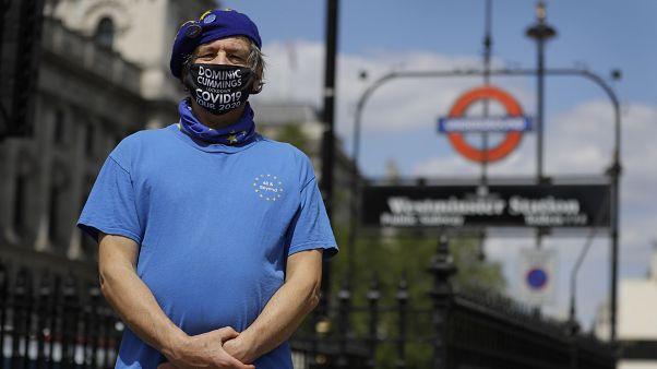 Covid-19 : masque obligatoire en Angleterre, la France s'inquiète d'une hausse des contaminations