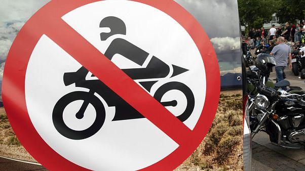 Απαγορεύονται οι μηχανές