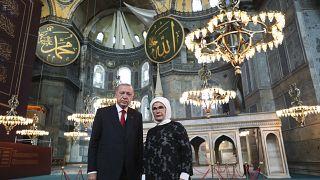 Recep Tayyip Erdogan et sa femme, le 23 juillet 2020, visitant Sainte Sophie