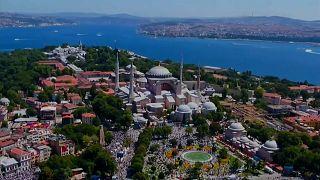 L'ex basilica di Santa Sofia tornata ad essere moschea