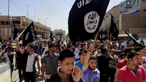 صورة أرشيفية لمناصرين لداعش 2014