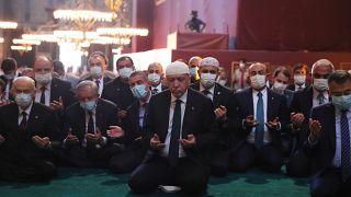 Cumhurbaşkanı Recep Tayyip Erdoğan, 86 yıl sonra yeniden ibadete açılan Ayasofya-i Kebir Cami-i Şerifi'nin açılış programına katıldı