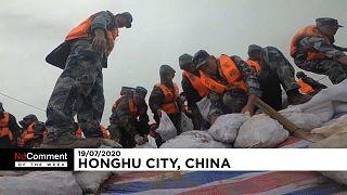 El Ejército chino se ha movilizado para socorrer a los damnificados de las inundaciones
