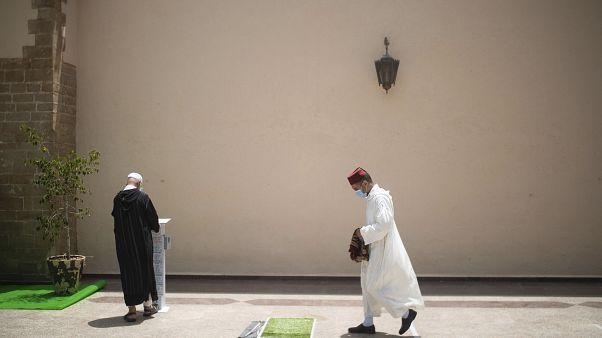 المغرب يمنع إقامة صلاة عيد الأضحى في المساجد والمصليات