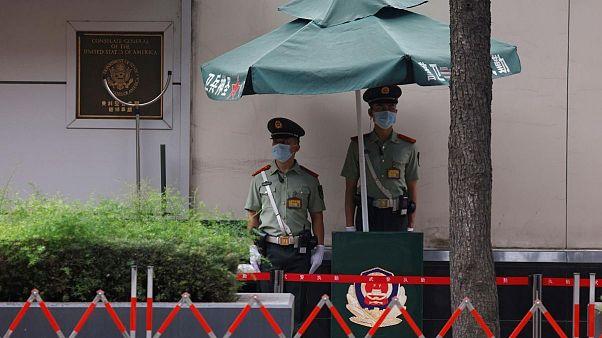 چین اولتیماتوم داد؛ حلقه امنیتی دور کنسولگری آمریکا در چنگدو تنگتر شد