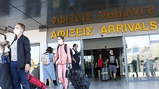 Αφίξεις επιβατών στο αεροδρόμιο Ελ. Βενιζέλος - ΦΩΤΟ ΑΡΧΕΙΟΥ