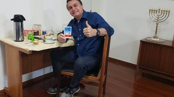 Bolsonaro diz-se um homem livre de Covid-19