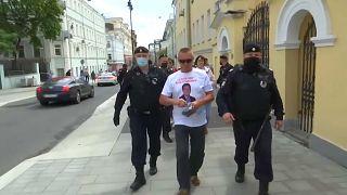 COVID-19 | Decenas de detenidos en Moscú por exigir el restablecimiento del derecho a la protesta