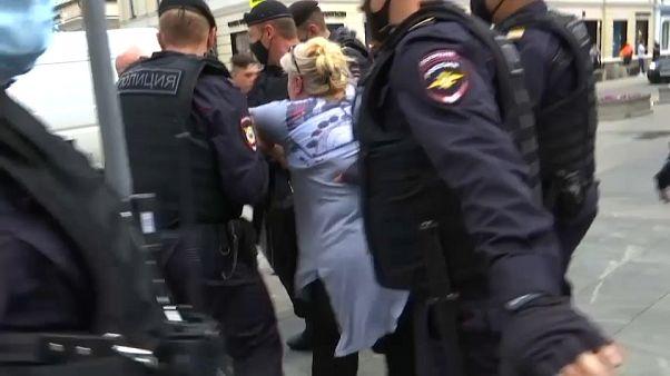 Numerosi fermi a Mosca, durante una manifestazione contro il divieto di assembramento