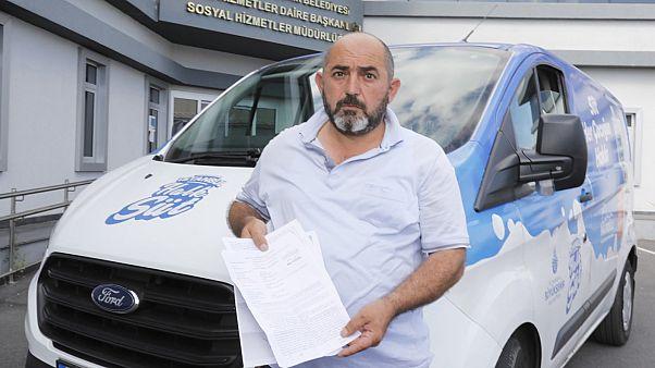 İBB Sözcüsü Ongun: Gaziosmanpaşa'da süt dağıtımı yapan ekibimiz bir grubun saldırısına uğradı