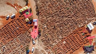 Massengräber für Corona-Opfer in Südafrika.