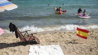 Испанские пляжи всё же ждут туристов