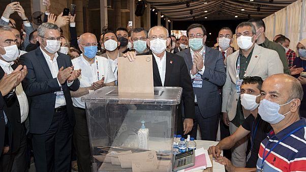 CHP kurultayında PM seçimlerinin resmi olmayan sonuçları açıklandı