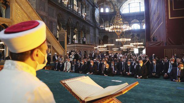 Todo es sal en la herida griega de la basílica de Santa Sofía de Estambul