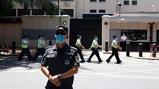 چین کنسولگری آمریکا در شهر چنگدو را تحت کنترل خود درآورد