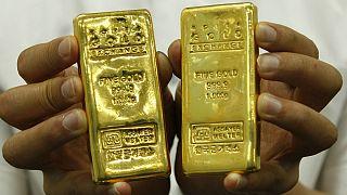 ثبت پایینترین نرخ دلار آمریکا در ۲ سال گذشته؛ رکورد تاریخی قیمت طلا شکست