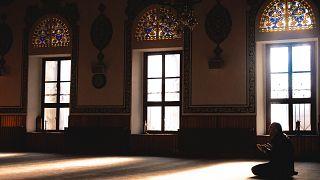 Türkiye'de ahlaki değerlerle yaratıcı arasında bağ kuranların oranı düşüşte