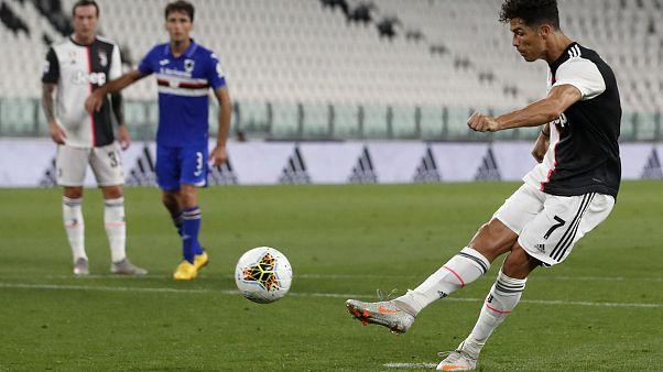 Cristiano Ronaldo trasforma il rigore in Juventus-Sampdoria 2-0..
