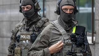 Polizisten in Frankfurt am Main im Juni