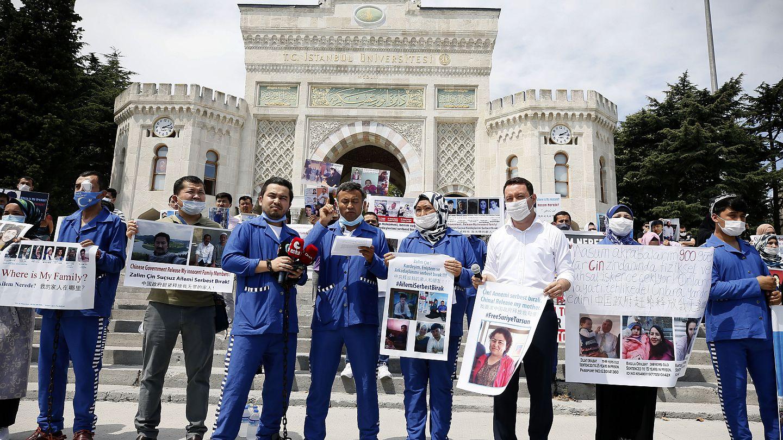 İstanbul'da yaşanan deneyimlerden Çinna karşı zincir protesto   Euronews