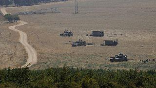 Lübnan sınırındaki İsrail tankları