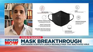 Portuguese virologist Pedro Simas detailing the properties of the face mask