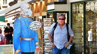 Uso de máscara aconselhado em Saint Wolfgang mas é apenas obrigatório dentro de lojas