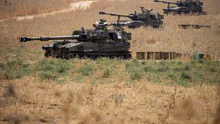 Des unités d'artillerie mobiles israéliennes sont en place dans le nord d'Israël, près de la frontière avec le Liban, mardi 28 juillet 2020